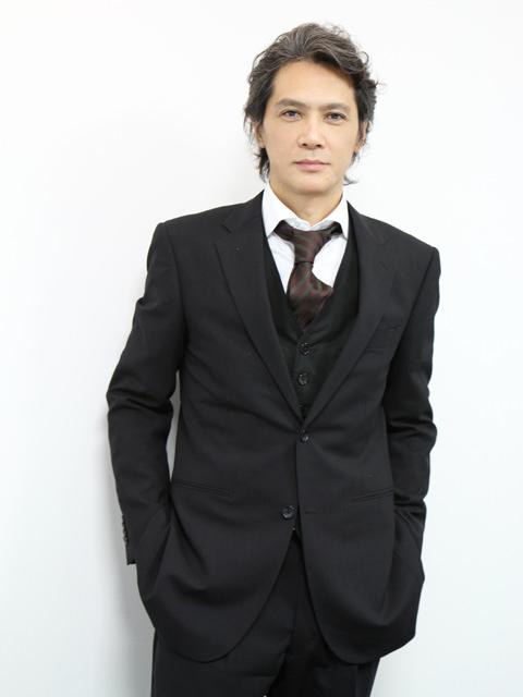 スーツの加藤雅也